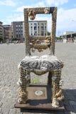 克拉科夫,波兰, 7月3日:在Plac Bohaterow Getta的椅子在Jewi 库存图片