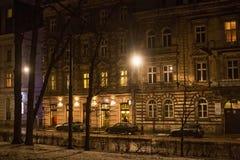 克拉科夫,波兰- 2015年1月01日:克拉科夫夜视图圣徒Gertruda街的 免版税库存照片