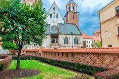 克拉科夫,波兰- 2017年8月13日:克拉科夫, Wawel城堡的美丽的教会 库存图片