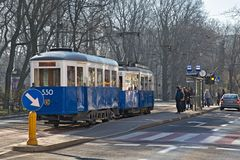 克拉科夫,波兰- 2017年3月28日:历史电车Konstal N 图库摄影