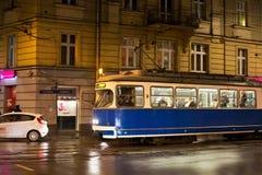 克拉科夫,波兰- 2015年1月01日:在夜调整在克拉科夫的历史的部分的SGP/Lohner E1 库存照片