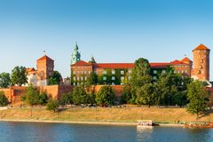 克拉科夫,波兰- 2017年8月11日:Th中世纪著名地标  免版税库存照片