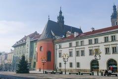 克拉科夫,波兰- 2011年1月6日:被环绕的珊瑚颜色唱诗班 免版税库存照片