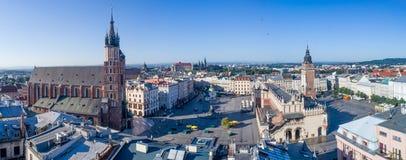 克拉科夫,波兰 老有所有主要纪念碑的城市宽全景 图库摄影