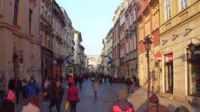 克拉科夫,波兰- 2017顶上的射击1月, 14,老镇街道在一个晴天 图库摄影