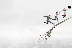 克服挑战的事业梯子 免版税库存图片