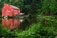 克林顿镇-新泽西乡-红色磨房 库存照片