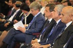 克罗Ð ¡ alenda,意大利的经济发展的大臣圣彼德堡国际经济论坛的 库存照片