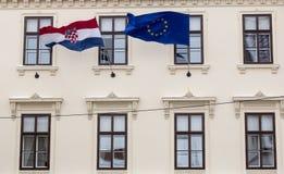 克罗地亚人和欧盟旗子 库存图片