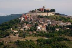 克罗地亚小山顶层城镇 库存图片