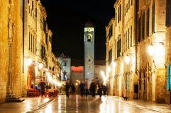 克罗地亚杜布罗夫尼克市 老城市Stradun街道夜视图  图库摄影