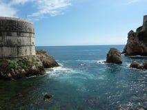 克罗地亚海和岩石视图的杜布罗夫尼克 库存照片