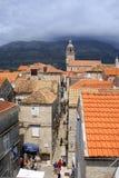克罗地亚海岛korcula狭窄街道城镇 库存图片
