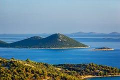 克罗地亚的令人惊讶的科纳提群岛海岛 达尔马提亚的北部 海景晴朗的细节从扎达尔的向希贝尼克 图库摄影