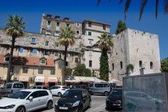 克罗地亚达尔马提亚著名遗产老站点分开的城镇科教文组织世界 免版税图库摄影