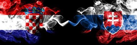 克罗地亚,克罗地亚人,斯洛伐克,斯洛伐克,轻碰竞争厚实的五颜六色的发烟性旗子 欧洲橄榄球资格比赛 向量例证