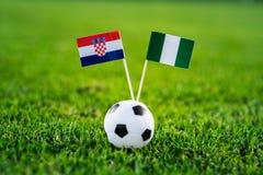 克罗地亚-尼日利亚,小组D,星期六,16 世界杯6月,橄榄球,俄罗斯2018年,在绿草,白色橄榄球ba的国旗 图库摄影