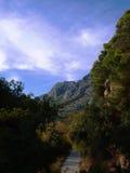 克罗地亚-山,小山,道路 免版税库存照片