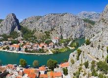 克罗地亚omis城镇 免版税图库摄影