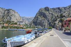 克罗地亚omis城镇 免版税库存图片
