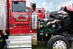 克莱夫萧伯纳卡车引擎被揭露在Truckfest 图库摄影