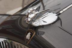 1931年克莱斯勒普利茅斯汽车敞篷装饰品 免版税库存照片