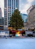 洛克菲勒中心装饰了圣诞树-纽约,美国 免版税库存图片