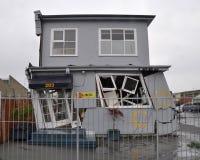 克赖斯特切奇地震房子倾斜 免版税库存图片