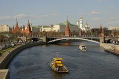 克里姆林宫和莫斯科河 免版税图库摄影