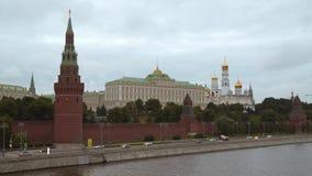 克里姆林宫墙壁和盛大克里姆林宫宫殿在莫斯科 股票录像