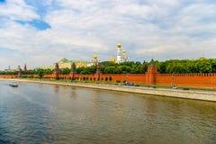 克里姆林宫日落视图在莫斯科,俄罗斯 免版税库存照片