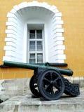 克里姆林宫武库枪& x28; cannon& x29;在莫斯科,俄罗斯 免版税图库摄影