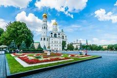 克里姆林宫游览33 :克里姆林宫的Ivanovskaya广场 免版税库存图片