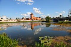 克里姆林宫的强有力的墙壁 俄国 免版税库存照片