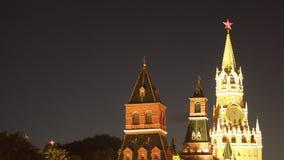 克里姆林宫的斯帕斯基塔在晚上 股票视频