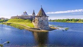 克里姆林宫的看法在普斯克夫,俄罗斯 免版税库存照片