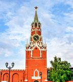 克里姆林宫莫斯科晚上红色spasskaya正方形塔 免版税库存照片