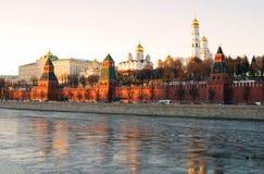 克里姆林宫莫斯科 夜间天空天空纹理 彩色照片 库存照片