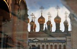 克里姆林宫莫斯科 彩色照片 抽象反映水 图库摄影