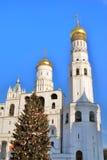 克里姆林宫莫斯科 彩色照片 新年度结构树 免版税图库摄影