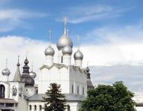 克里姆林宫rostov 假定的大教堂的圆顶 免版税库存照片