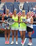 克里斯季娜Mladenovic (l),卡罗琳加西亚, (法国), Lucie Safarova (捷克语)和B Mattek沙子  库存图片