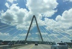 克里斯托弗S 政券桥梁在堪萨斯城,密苏里 免版税库存图片