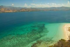克里斯特尔清除水lagoone 17个海岛里翁弗洛勒斯印度尼西亚 图库摄影
