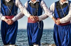 克里特岛舞蹈演员 免版税库存图片