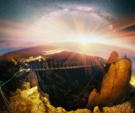 克里米亚半岛岩石黎明日出 免版税库存图片