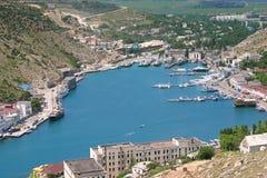 克里米亚半岛港口高看法有小船的 免版税库存照片