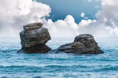 克里米亚gurzuf岩石尝试二的海运游泳 库存图片