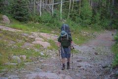 克雷斯通,科罗拉多- 2015年8月27日-人在Sangre de克里斯多自然保护区的远足南殖民地足迹 免版税图库摄影
