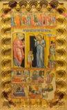 克雷莫纳-圣徒Agata在木头的`油漆`表从13 分 在基耶萨di圣诞老人Agata 库存图片